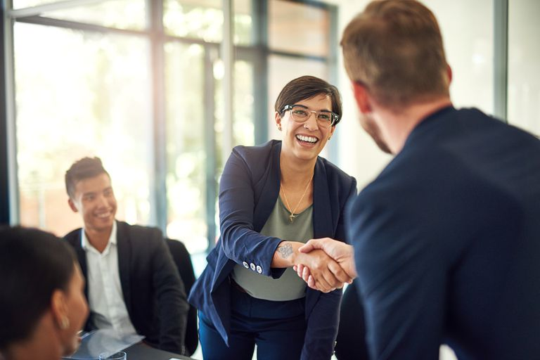 Sales presentation best practices. Find a friendly face.